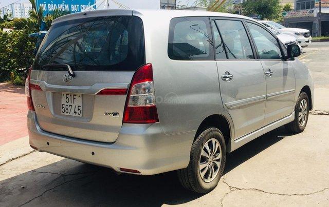 Bán xe Toyota Innova 2.0E 2016, màu bạc, xe bán tại hãng có bảo hành3