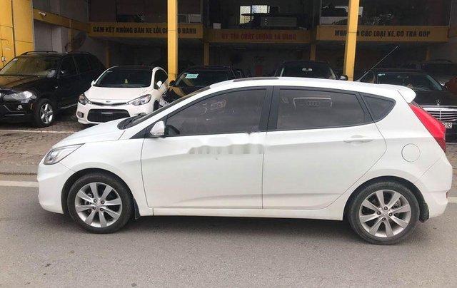 Xe Hyundai Accent sản xuất 2014, màu trắng, nhập khẩu nguyên chiếc còn mới4
