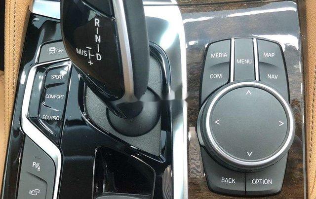 Bán xe BMW 5 Series năm 2019, màu đen, xe nhập6