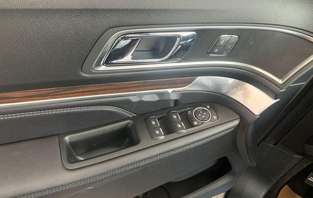 Cần bán xe Ford Explorer đời 2019, màu trắng, nhập khẩu5