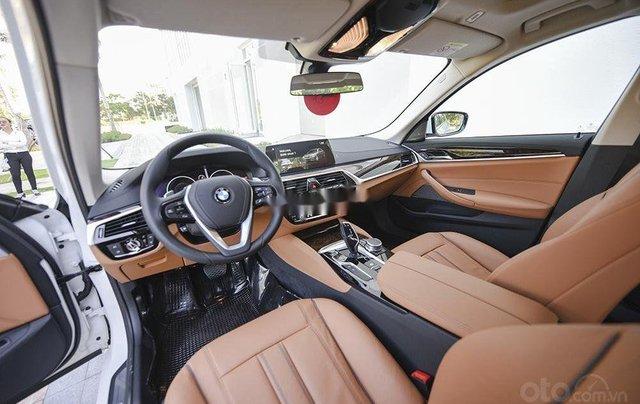 Bán xe BMW 5 Series năm 2019, màu đen, xe nhập5