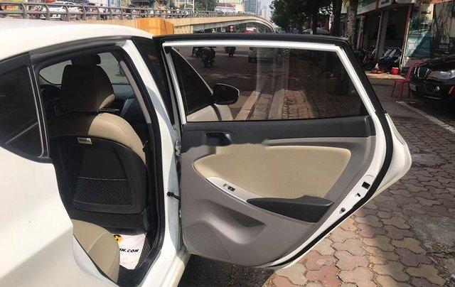 Xe Hyundai Accent sản xuất 2014, màu trắng, nhập khẩu nguyên chiếc còn mới10