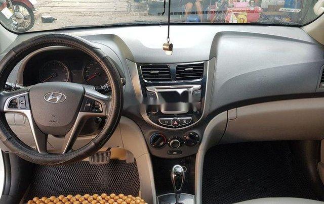 Bán Hyundai Accent năm sản xuất 2015, màu trắng, xe nhập còn mới5