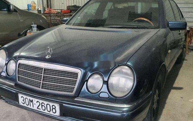 Bán Mercedes E230 đời 1997, màu xanh lam, nhập khẩu nguyên chiếc, 95tr10