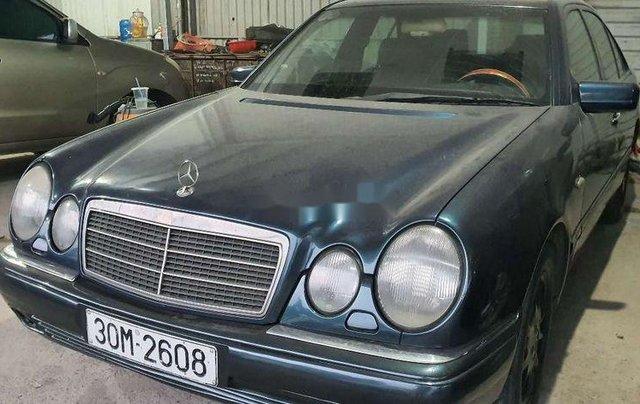 Bán Mercedes E230 đời 1997, màu xanh lam, nhập khẩu nguyên chiếc, 95tr2
