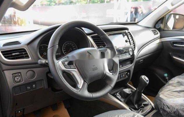 Bán Mitsubishi Pajero sản xuất 2019, nội thất sang trọng đầy tiện ích1