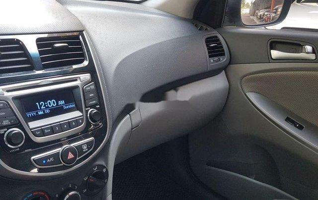Bán Hyundai Accent năm sản xuất 2015, màu trắng, xe nhập còn mới3