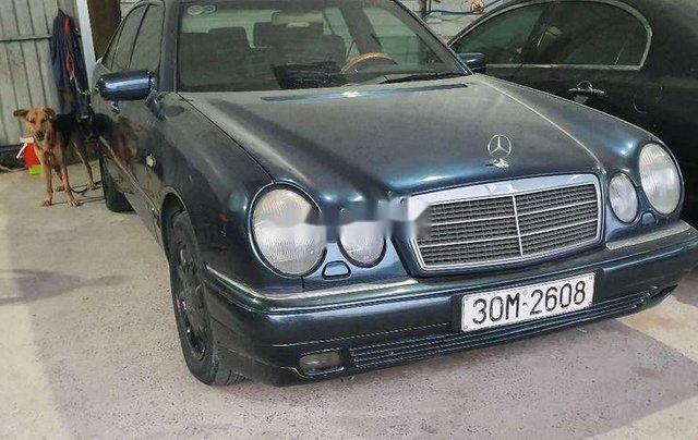 Bán Mercedes E230 đời 1997, màu xanh lam, nhập khẩu nguyên chiếc, 95tr1