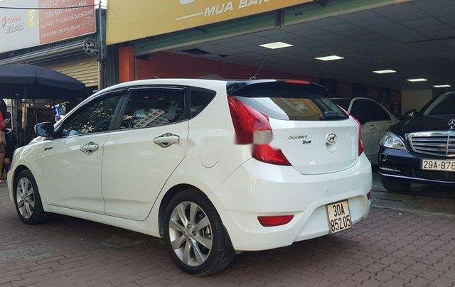 Bán Hyundai Accent năm sản xuất 2015, màu trắng, xe nhập còn mới7