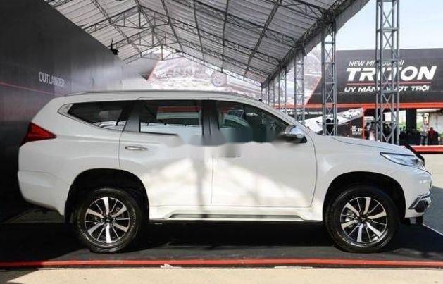 Bán Mitsubishi Pajero sản xuất 2019, nội thất sang trọng đầy tiện ích3