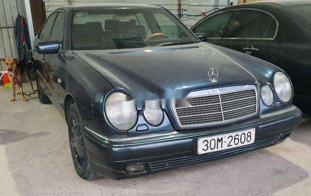 Bán Mercedes E230 đời 1997, màu xanh lam, nhập khẩu nguyên chiếc, 95tr8