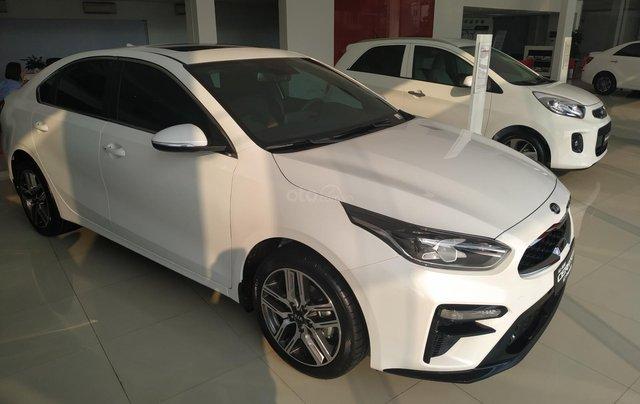 Cerato 2.0AT Premium trắng, xe mới, khuyến mại tháng 11 nhận ưu đãi cực khủng0