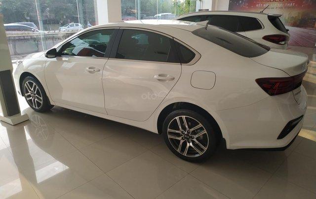 Cerato 2.0AT Premium trắng, xe mới, khuyến mại tháng 11 nhận ưu đãi cực khủng2