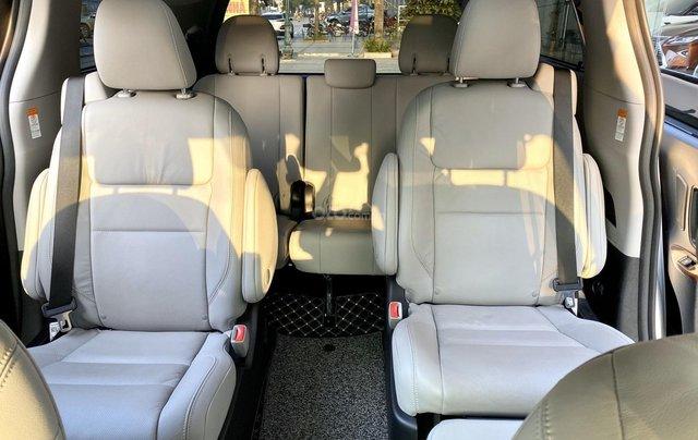 Cần bán nhanh chiếc xe Toyota Sienna, sản xuất 2018, giá tốt nhất13