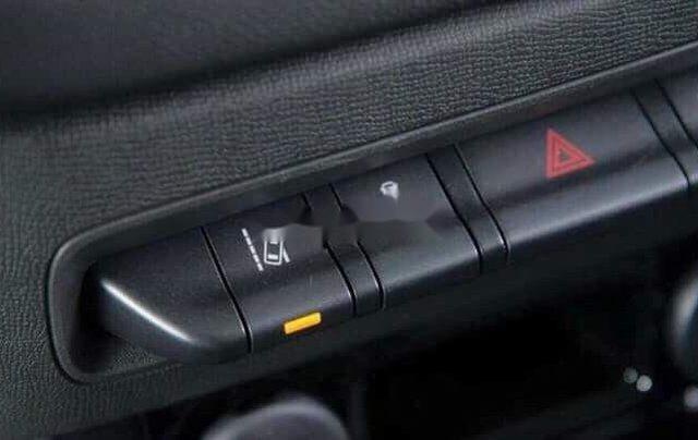 Cần bán Chevrolet Colorado sản xuất năm 2019, màu đỏ, nhập khẩu Thái, 619 triệu7
