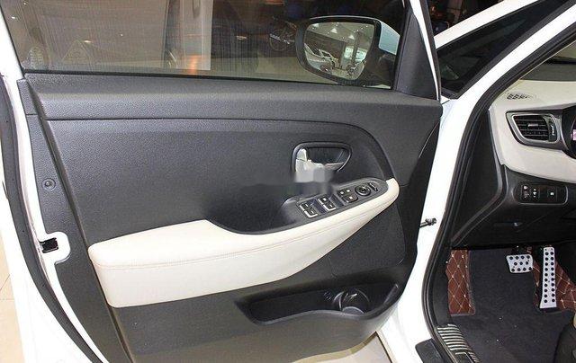 Bán Kia Rondo đời 2018, xe chính chủ sử dụng, còn mới giá cực ưu đãi8