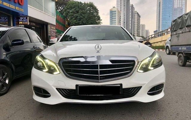 Bán nhanh chiếc Mercedes Benz E200 sản xuất 2014, xe giá thấp, chính chủ sử dụng0