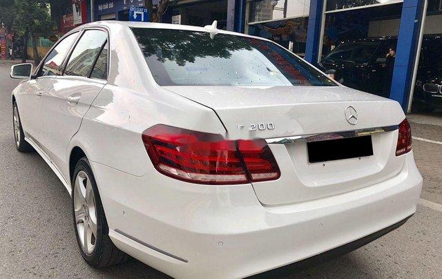 Bán nhanh chiếc Mercedes Benz E200 sản xuất 2014, xe giá thấp, chính chủ sử dụng3