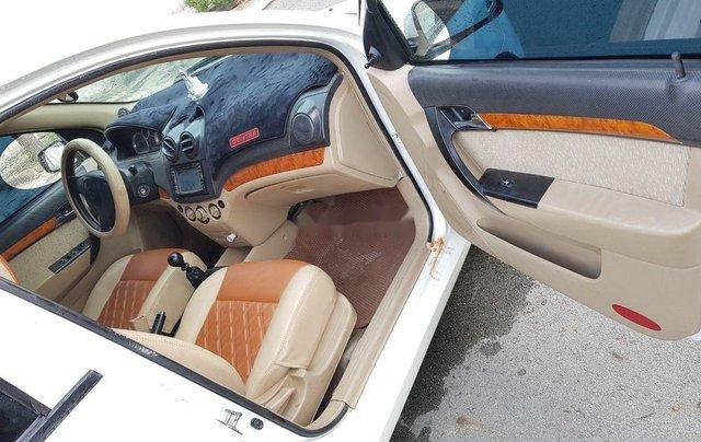 Cần bán gấp Daewoo Gentra đời 2007, màu trắng còn mới, giá tốt7