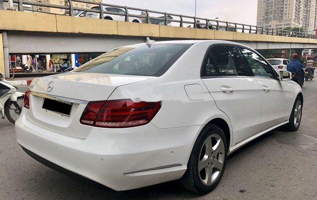 Bán nhanh chiếc Mercedes Benz E200 sản xuất 2014, xe giá thấp, chính chủ sử dụng2