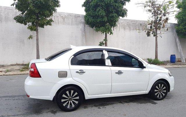 Cần bán gấp Daewoo Gentra đời 2007, màu trắng còn mới, giá tốt4