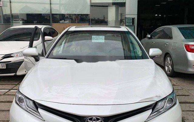 Bán ô tô Toyota Camry 2.5Q năm sản xuất 2019, màu bạc, xe nhập1