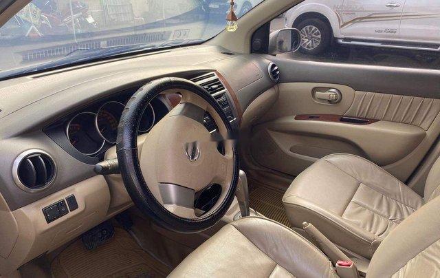 Bán Nissan Livina 2011, màu vàng, xe nhập số tự động, 325tr4