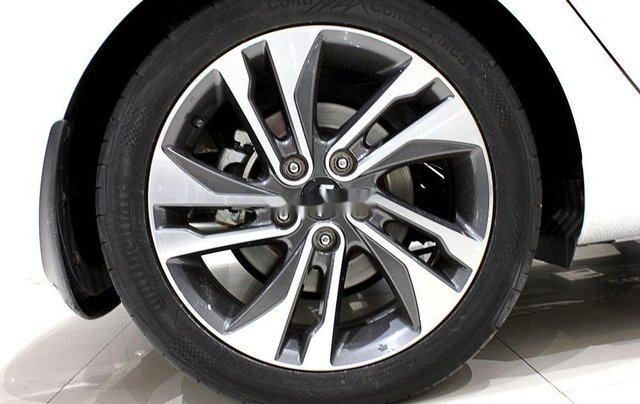 Bán Kia Rondo đời 2018, xe chính chủ sử dụng, còn mới giá cực ưu đãi4