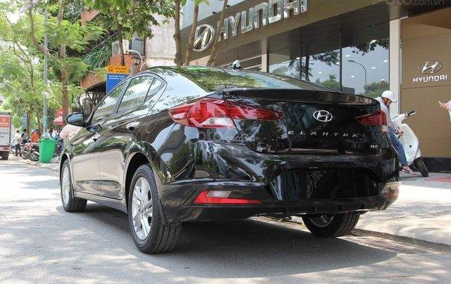 Cần bán xe Hyundai Elantra 1.6AT đời 2019, màu đen, giá cạnh tranh2