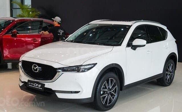 Bán nhanh chiếc xe Mazda CX 5 đời 2019, màu trắng0