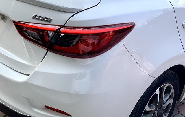 Bán Mazda 2 1.5L Sedan sản xuất năm 2018, màu trắng3