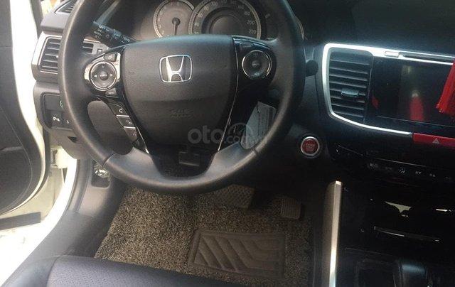 Honda Accord 2.4AT màu trắng sản xuất 2017 tên tư nhân - Liên hệ 09768889783