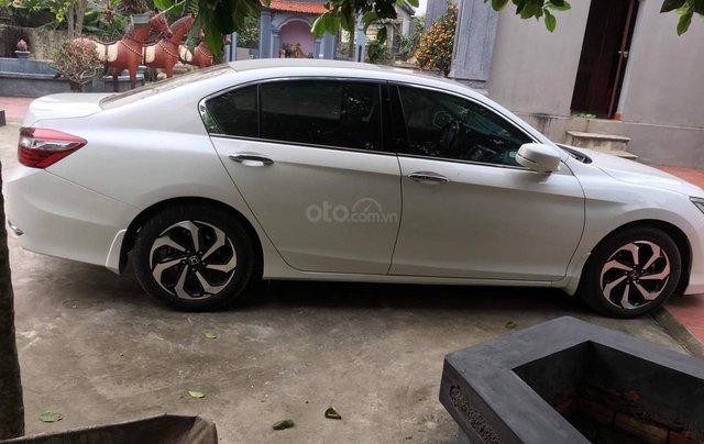Honda Accord 2.4AT màu trắng sản xuất 2017 tên tư nhân - Liên hệ 09768889781