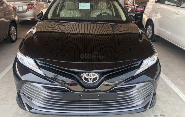 Bán Toyota Camry 2.5Q sản xuất năm 2019, màu đen, xe nhập, giao ngay0