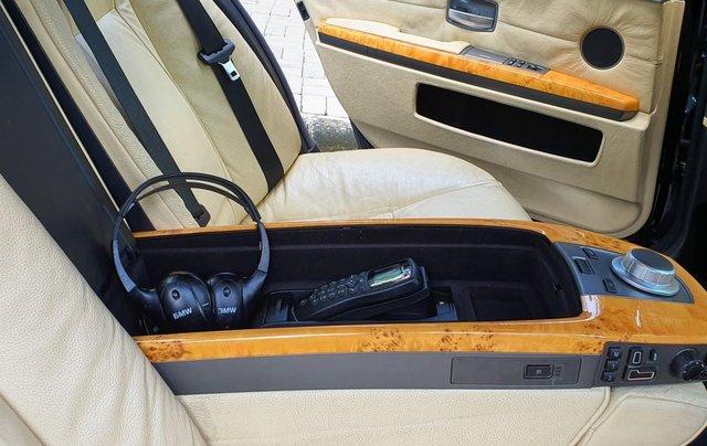 Thanh lý xe BMW 760Li Individual (phiên bản đặt mới theo yêu cầu riêng từ hãng BMW), động cơ V12, 6.0 đời 20094