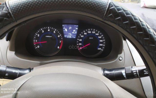 Bán Hyundai Accent đăng ký 2011, màu đen, xe gia đình, giá chỉ 350 triệu đồng, LH: 097975788911