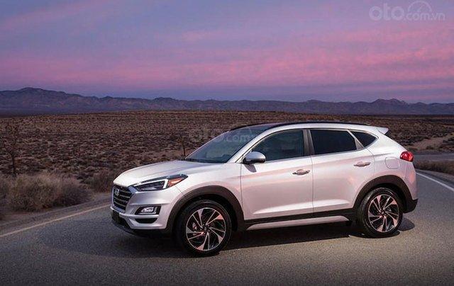 Cần bán xe Hyundai Tucson 2.0 AT đời 2019, xe nhập, giá tốt liên hệ Mr. Kiệm 09792112391