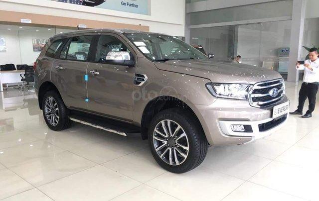 Ford Everest 2019, hỗ trợ trả góp 80% lãi suất ưu đãi, chỉ cần trả trước 300 triệu để nhận xe, gọi ngay 0973.426.7330