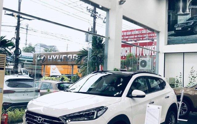 Hyundai Tucson xăng đặc biệt 2019, đủ màu giao ngay, LH: 0901 622 5030