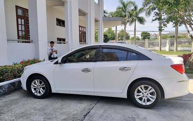Cần bán gấp Chevrolet Cruze LT 1.6L năm 2017, màu trắng, số sàn1