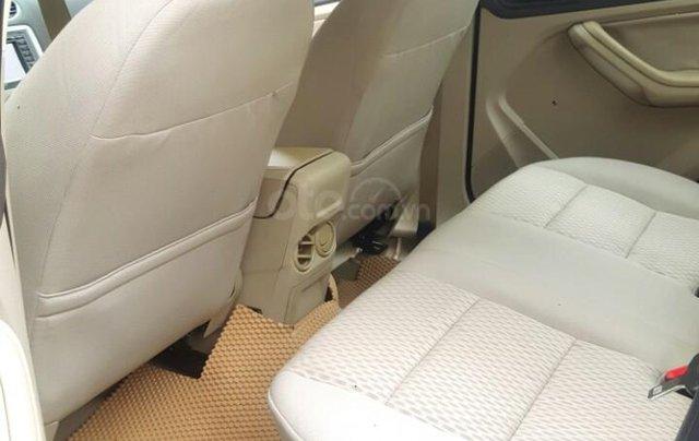Ford Focus 1.8 đăng ký T10/ 2010, màu đen, liên hệ chính chủ 0913992465 Thanh8