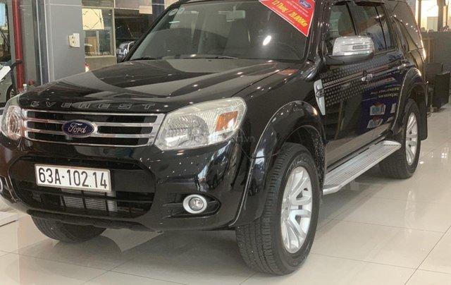 Cần bán gấp Ford Everest 2.4L MT đời 2014, màu đen mới 95% giá cả thương lượng Hotline 09012678550