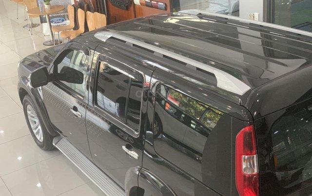 Cần bán gấp Ford Everest 2.4L MT đời 2014, màu đen mới 95% giá cả thương lượng Hotline 09012678552
