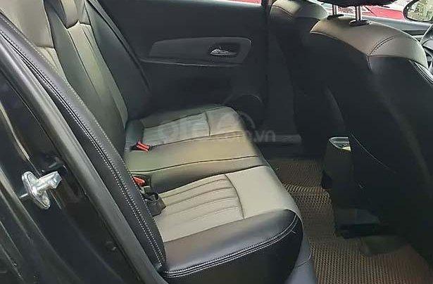 Cần bán Chevrolet Cruze LS 1.6 MT đời 2010, màu đen 3