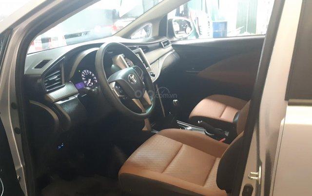 Bán ô tô Toyota Innova E sản xuất năm 2016, màu bạc3