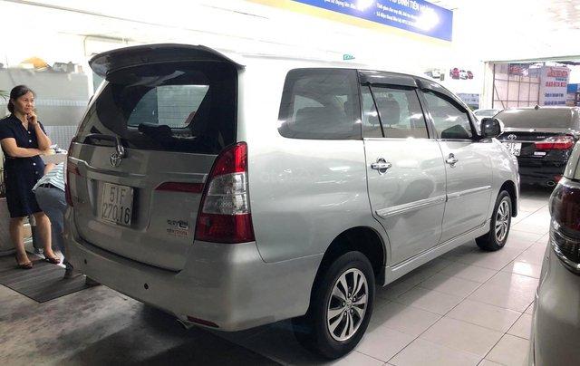 Bán xe Toyota Innova E gia đình trùm mền4