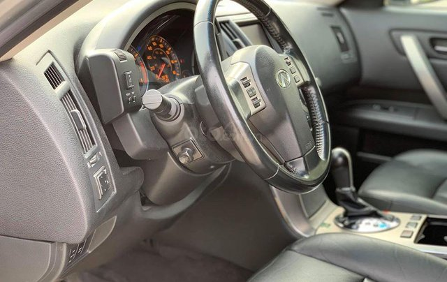 Cần bán Infiniti Fx35 màu bạc sản xuất 2006 đăng ký 2009 nhập khẩu Nhật Bản - liên hệ 09768889787