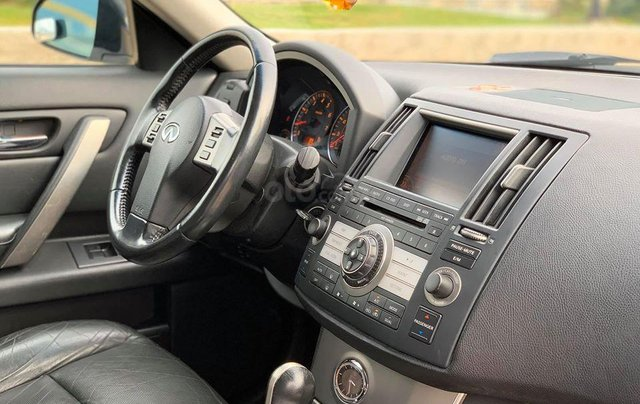 Cần bán Infiniti Fx35 màu bạc sản xuất 2006 đăng ký 2009 nhập khẩu Nhật Bản - liên hệ 097688897815