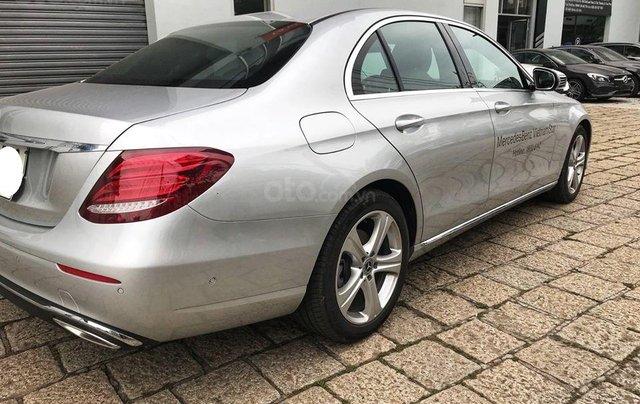 [Big Sale] đại lý thanh lý Mercedes E250 thanh toán 700tr tặng bảo hiểm 1 năm, LH 09082998298