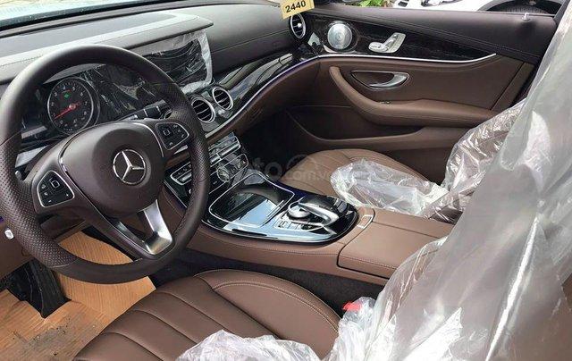[Big Sale] đại lý thanh lý Mercedes E250 thanh toán 700tr tặng bảo hiểm 1 năm, LH 090829982918
